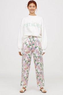 Белые женские брюки цветочные
