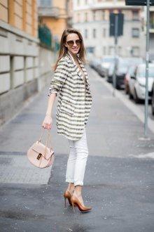 Белые женские джинсы