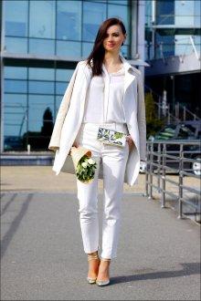 Белые женские брюки костюмные