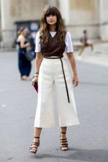 Белые женские брюки кюлоты со стрелками