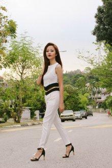 Белые женские брюки летние