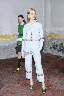 Белые женские брюки с полосками