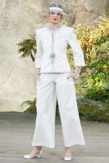 Белые женские брюки простые