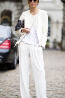 Белые женские брюки прямые