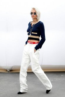 Белые женские брюки на резинке