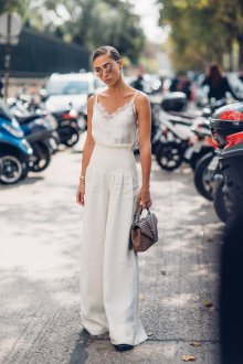 Белые женские брюки с завышенной талией