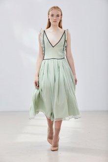 Платье на бретелях пастельных тонов
