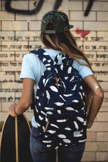 Рюкзак для подростка с перьями
