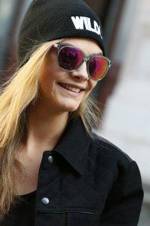 Зеркальные очки с розовыми стеклами