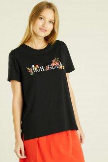 Черная футболка с английской надписью