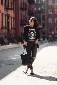 Черная футболка с пиджаком