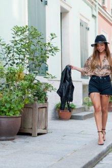 Шорты с высокой талией черные джинсовые