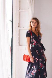 Платье халат с крупными цветами