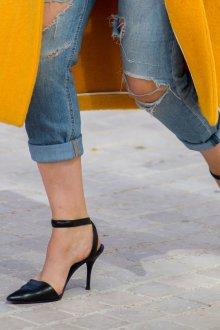Закрытые босоножки с закрытым носком