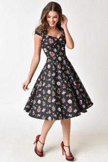 Платье из штапеля с декольте