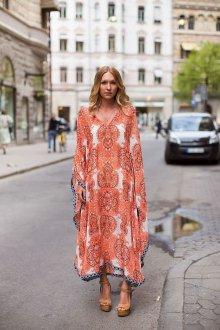 Платье из штапеля оранжевое