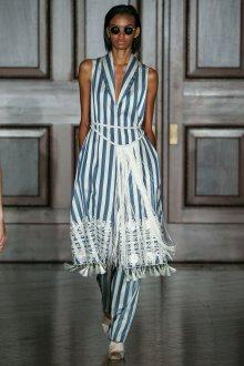 Платье из штапеля в полоску