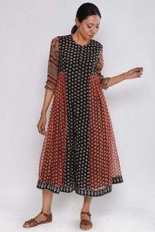 Платье из штапеля с узором