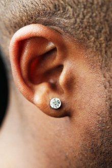 Мужские серьги гвоздики с бриллиантом
