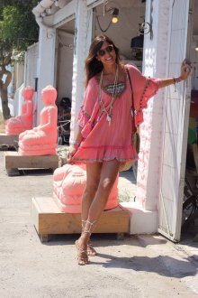Пляжная туника розовая с декором