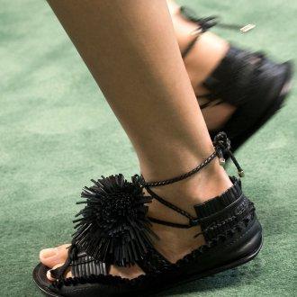 Сандалии женские черные кожаные