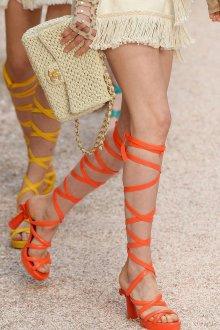 Сандалии женские на каблуке