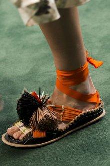 Сандалии женские модные