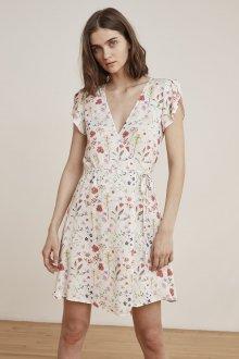 Платье с запахом нежное