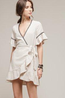 Платье с запахом на поясе
