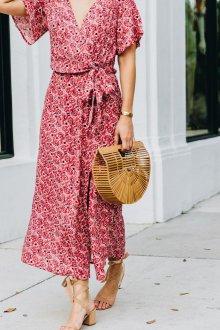 Платье с запахом и розами