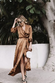 Платье с запахом шелковое коричневое