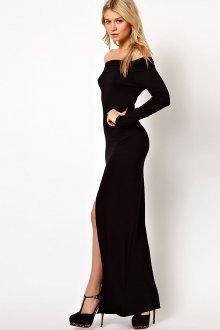 Длинное черное платье с открытыми плечами