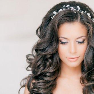 Распущенные волосы на свадьбу