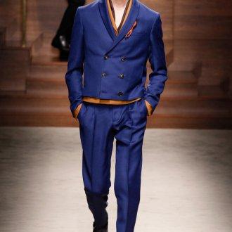 Мужской синий двубортный пиджак
