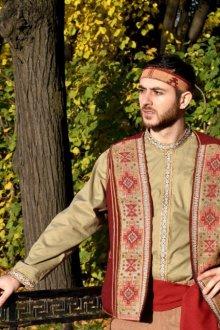 Мужской армянский костюм
