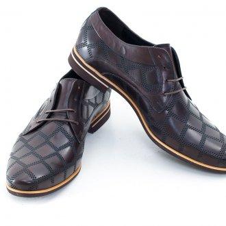 Мужская обувь цвета шоколад