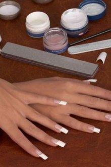 Коррекция ногтей на типсах