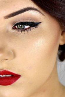 Макияж глаз: какого цвета тени подойдут к красному платью