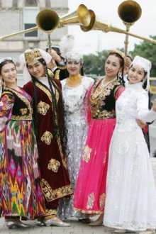 Особенности узбекского национального костюма