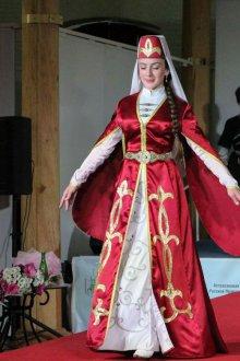 Цветовая гамма национальных Грузинских костюмов