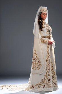 Женский свадебный наряд