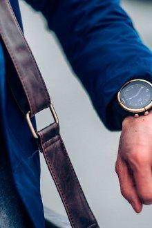На какой руке нужно носить часы