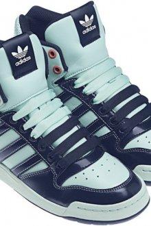 Высокие кроссовки «Адидас»