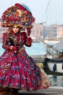 Венецианский карнавальный костюм