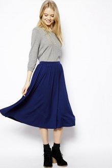 Синяя юбка со складками