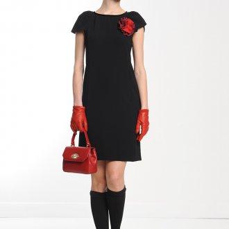 Короткие черные гольфы с черным платьем
