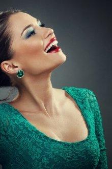 Мейкап под сине-зеленое платье