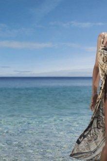 Основные способы сделать пляжный наряд из парео