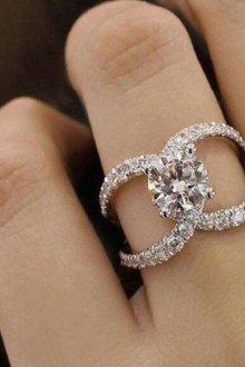 Известно ли невесте, на каком пальце носят помолвочное кольцо?