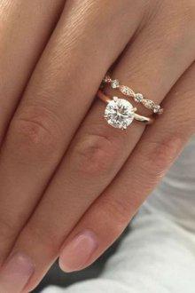 На какую руку надевают помолвочное кольцо до свадьбы